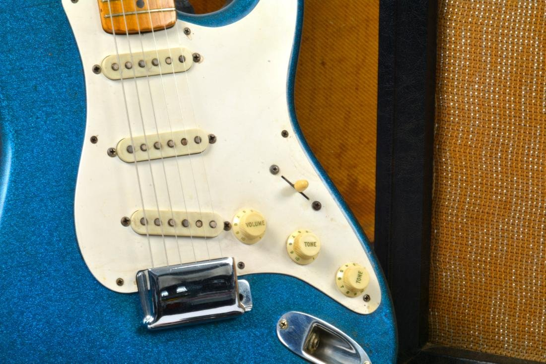 1959 Stratocaster, rare blue sparkle, with amp & more - 3
