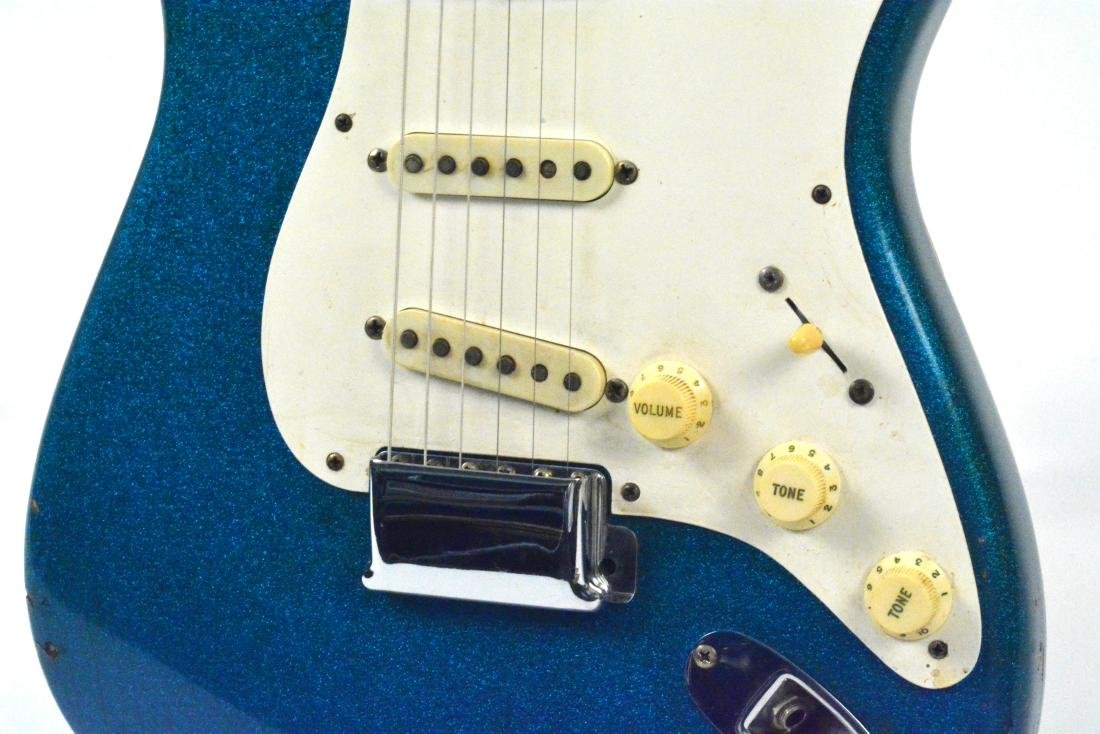 1959 Stratocaster, rare blue sparkle, with amp & more - 6
