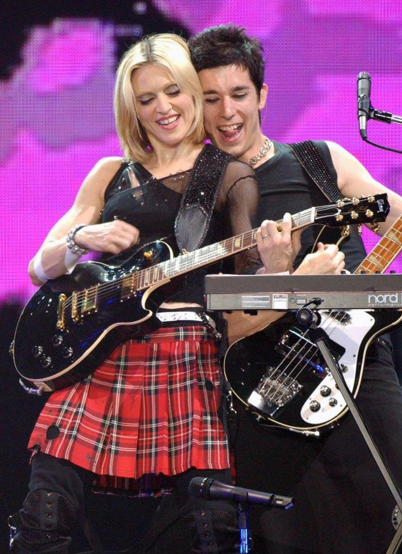 Madonna's First Performance Used Gibson Les Paul - 11