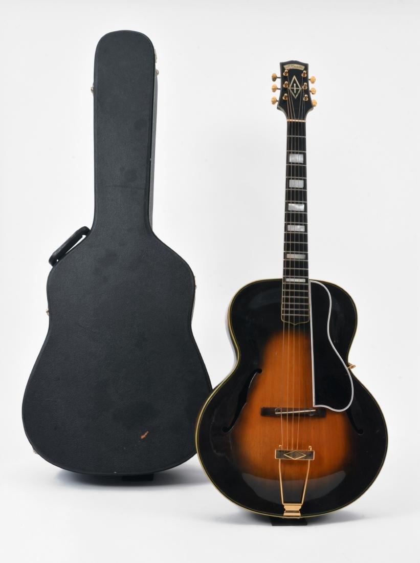 20th c. Unique Antonio Cerrito Archtop Guitar - 5
