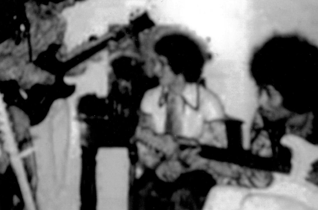 Jimi Hendrix's 1963 Fender Stratocaster - 8
