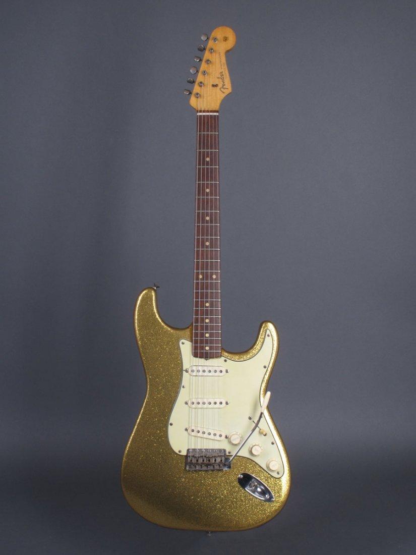 Bob Dylan's 1962 Gold Sparkle Fender Stratocaster - 2