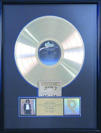 22: Off The Wall Multi-Platinum Award Michael Jackson