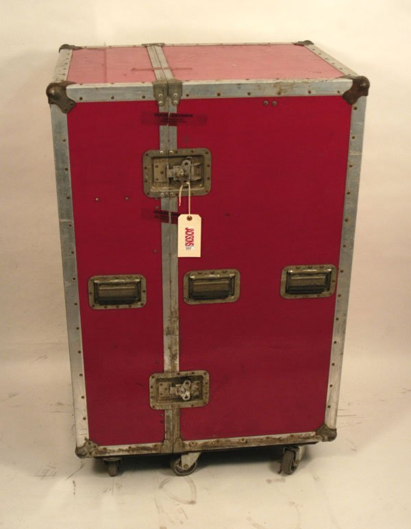 335: Michael Jackson's Trunk with Personal Effects, 80s