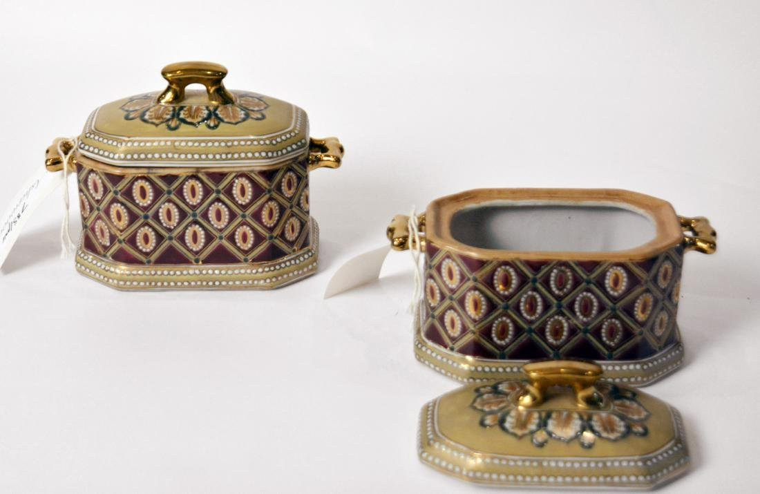 Pair of Chinese Ceramic Boxes - 3