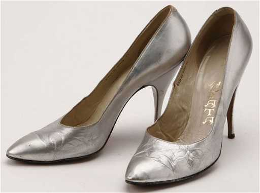 Marilyn monroe stilettos for Canape shoes italy