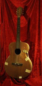 1384: Elvis Presley's First Guitar