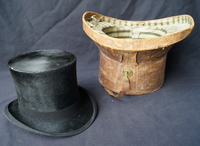 Beaver Top Hat in a Leather Case