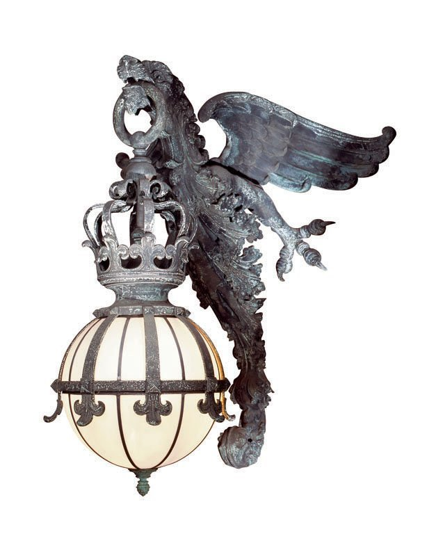 ONE PAIR OF GRIFFIN WALLMOUNTED LIGHTS C. 1910