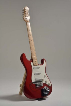 Harmony H80t Red Strat-style Guitar With Roland Gk-2