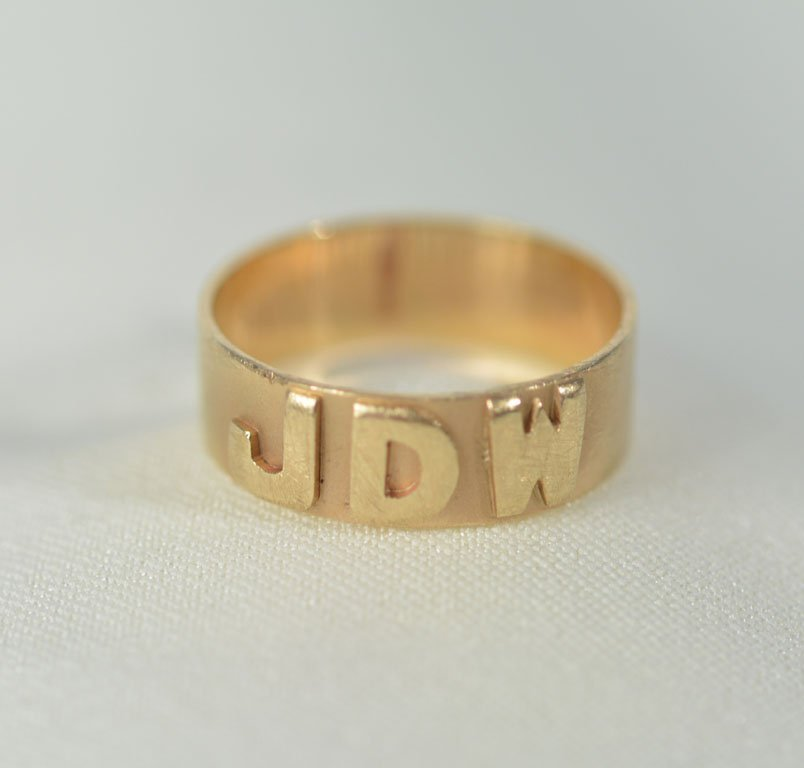 Johnny Winter's Monogrammed Ring - 2