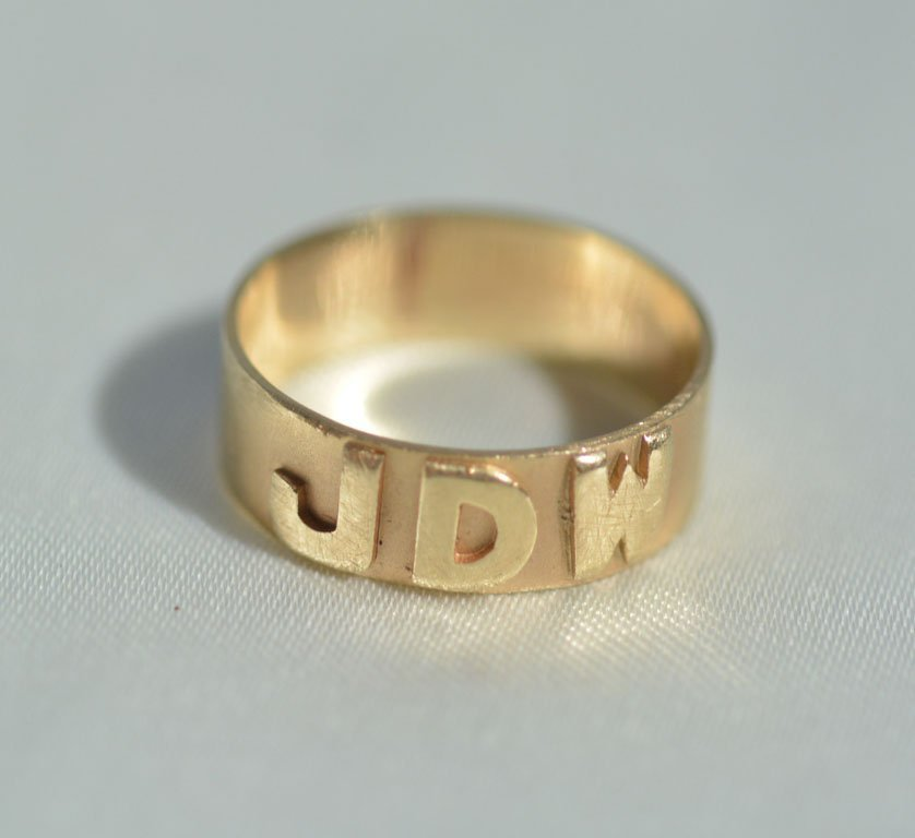 Johnny Winter's Monogrammed Ring - 4
