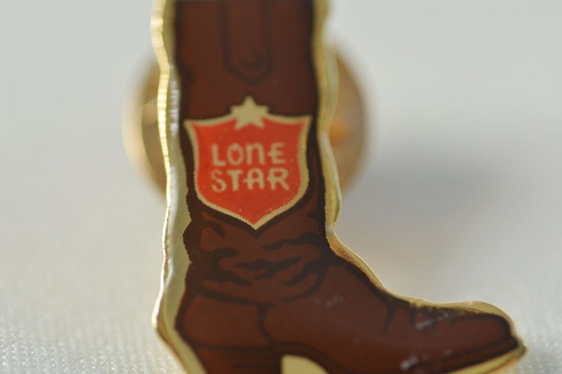 Pair of Johnny Winter's Texas Pins - 3