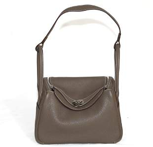 HERMES Taurillon Clemence Lindy 26 in Etoupe