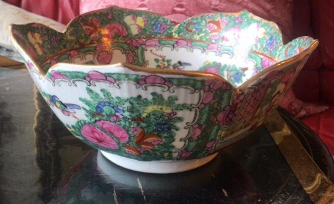 Antique Chinese Famille Verte Scalloped Edge Bowl Dish