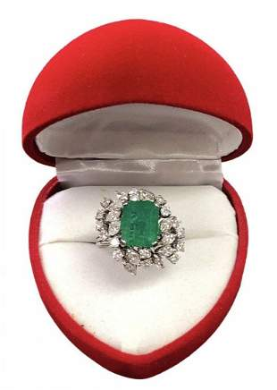 MAYORS Certified 18k Cocktail Ring Emerald Diamond