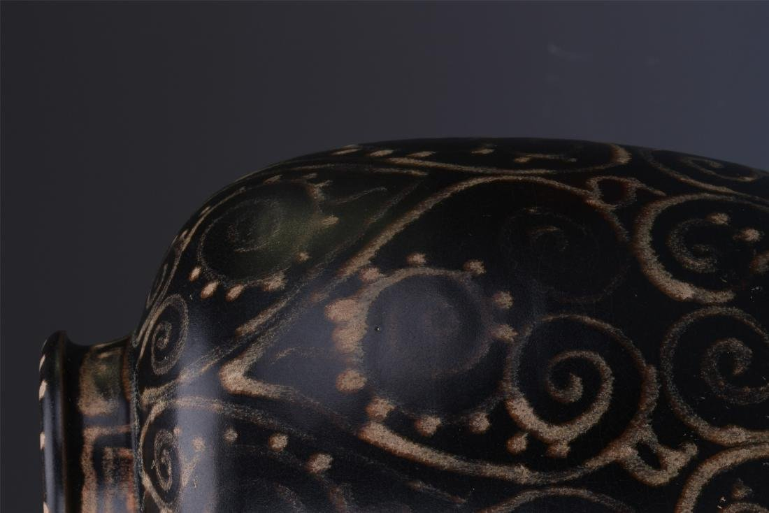 A Chinese  Black Glazed Meiping Vase - 4