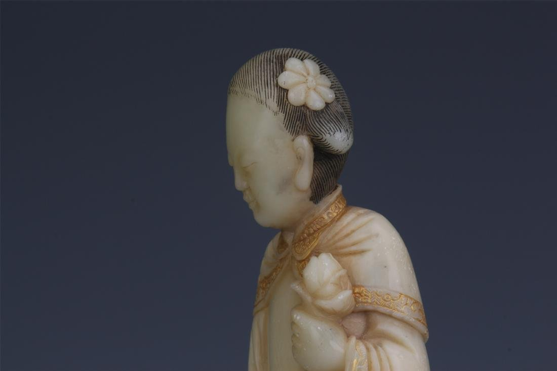 A Chinese Carved Soapstone Lady Figure - 9