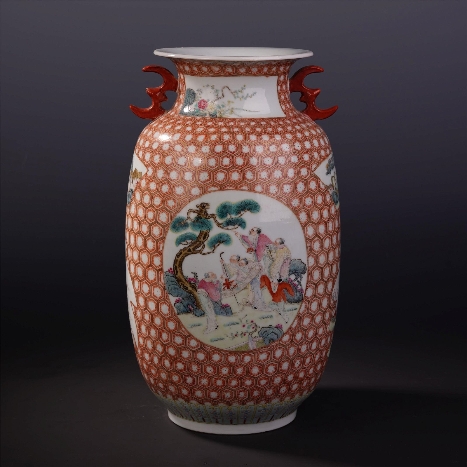 A Chinese Famille Rose Shangping Vase with Figure Motif
