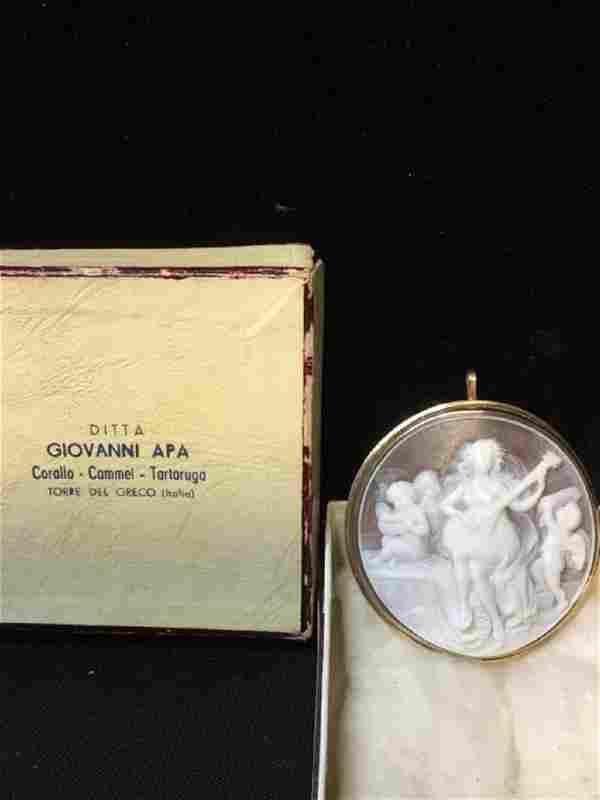 14 karat yellow gold cameo pendant or pin 13 g