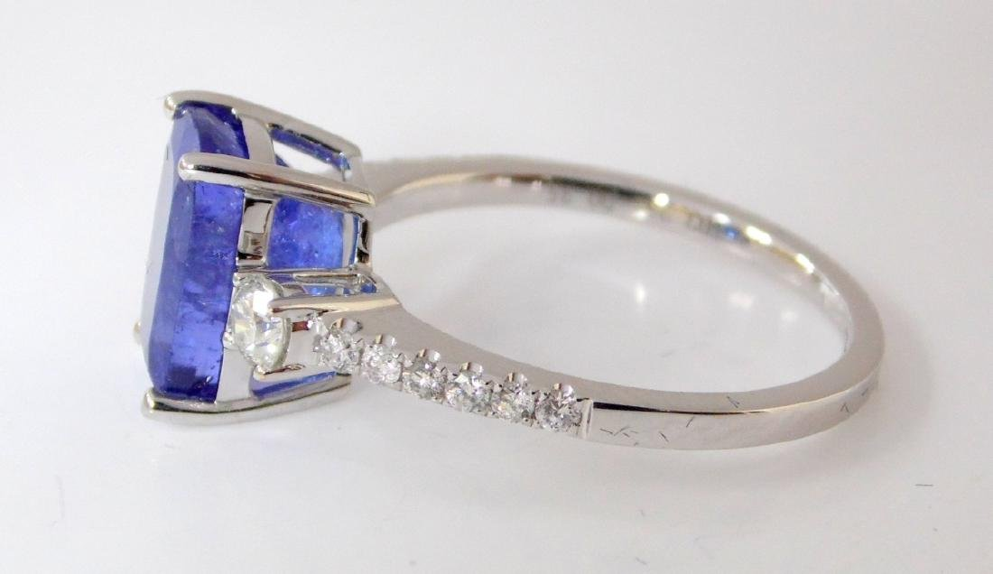 Larg Tanzanite and Diamond Dress Ring 18ct  White - 2