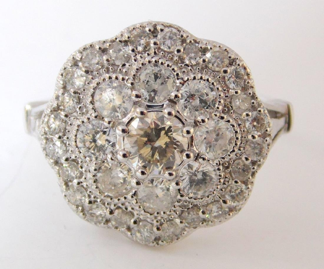 18ct White Gold Ladies 1.26ct Diamond Dress  Ring. - 2