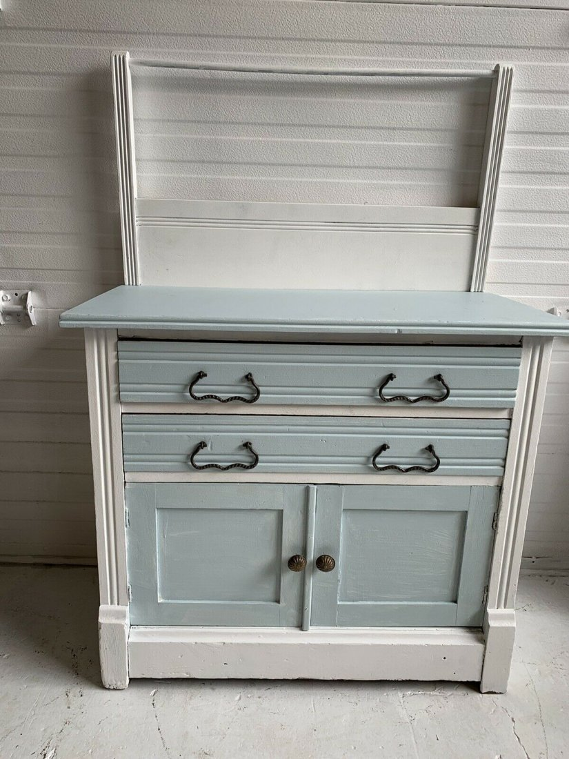 Shabby chic washstand with towel bar