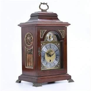 ENGLISH BRACKET TABLE CLOCK, 20TH CENTURY.