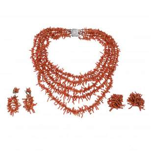 SET OF NECKLACE AND TWO PAIRS OF EARRINGS IN CORAL.