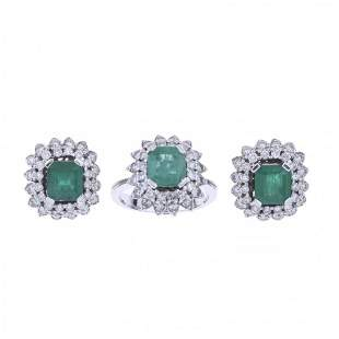 SET OF EARRINGS AND RING WITH DIAMONDS AND EMERALDS.