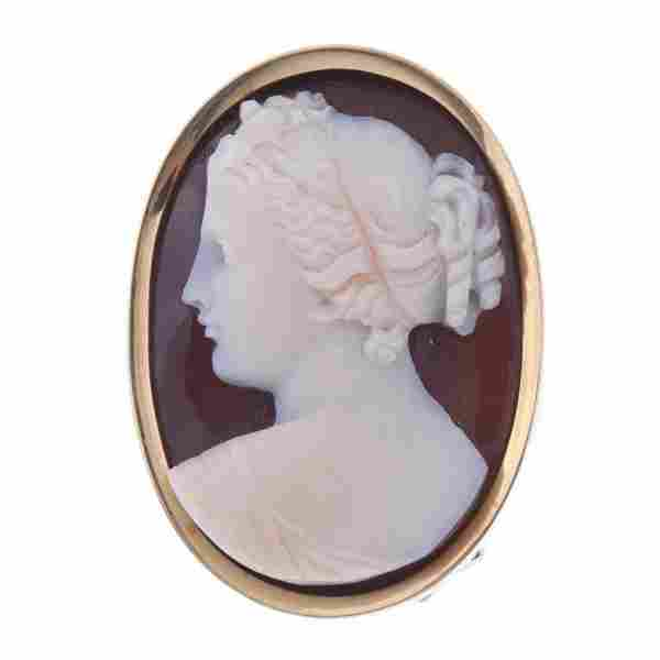 LADY'S CAMEO BROOCH WITH PIN AND PENDANT, 19TH CENTURY.