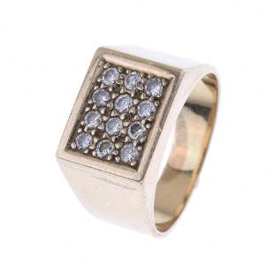 SIGNET RING WITH DIAMONDS PAVÉ.