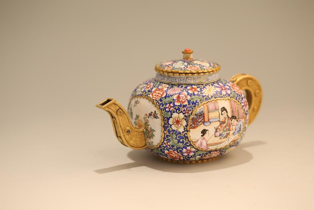 A Chinese Enamel Porcelain Tea Pot - 4