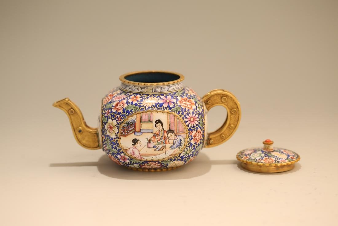 A Chinese Enamel Porcelain Tea Pot - 5