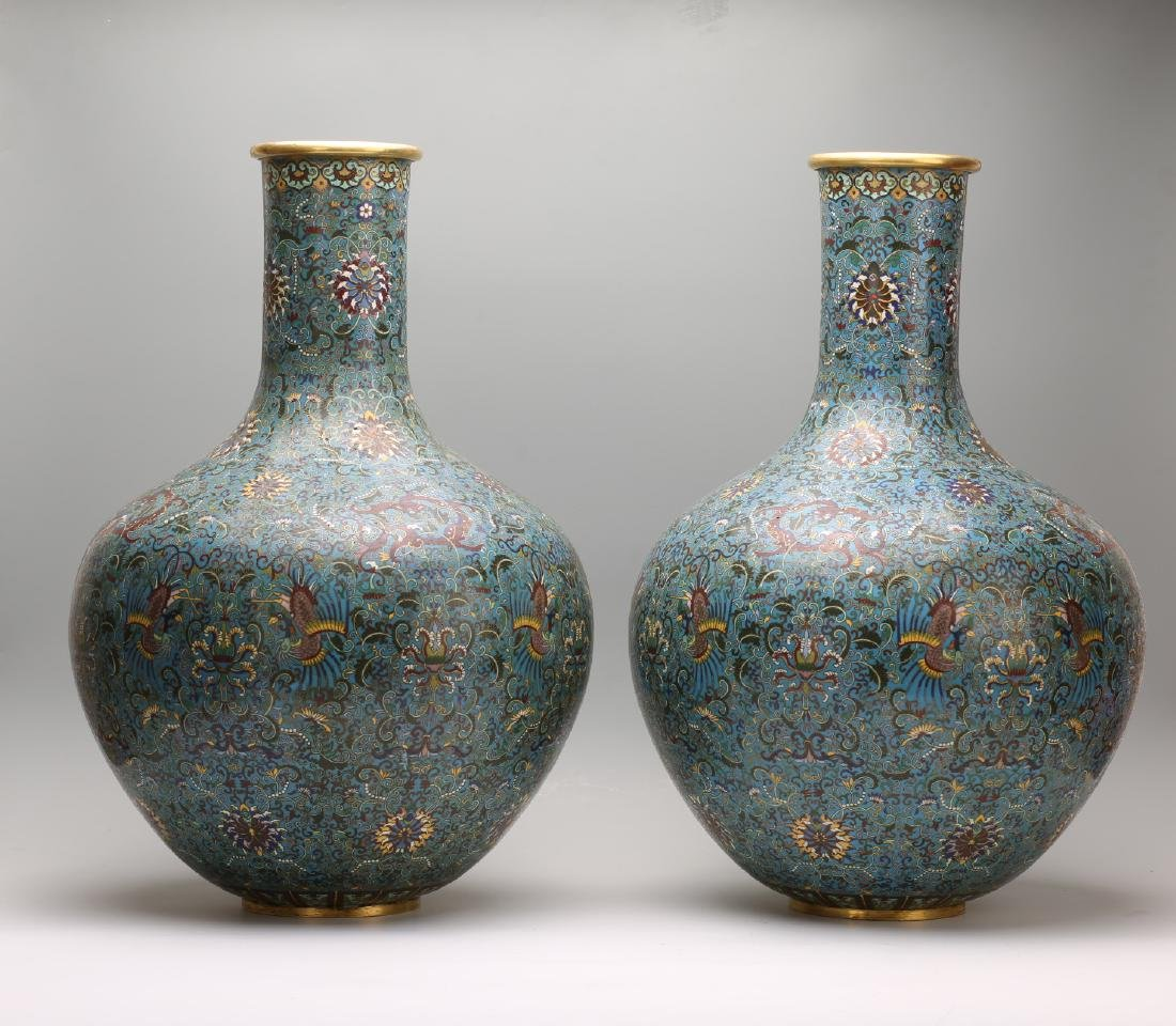 A Pair of Chinese Cloisonne Vases - 2
