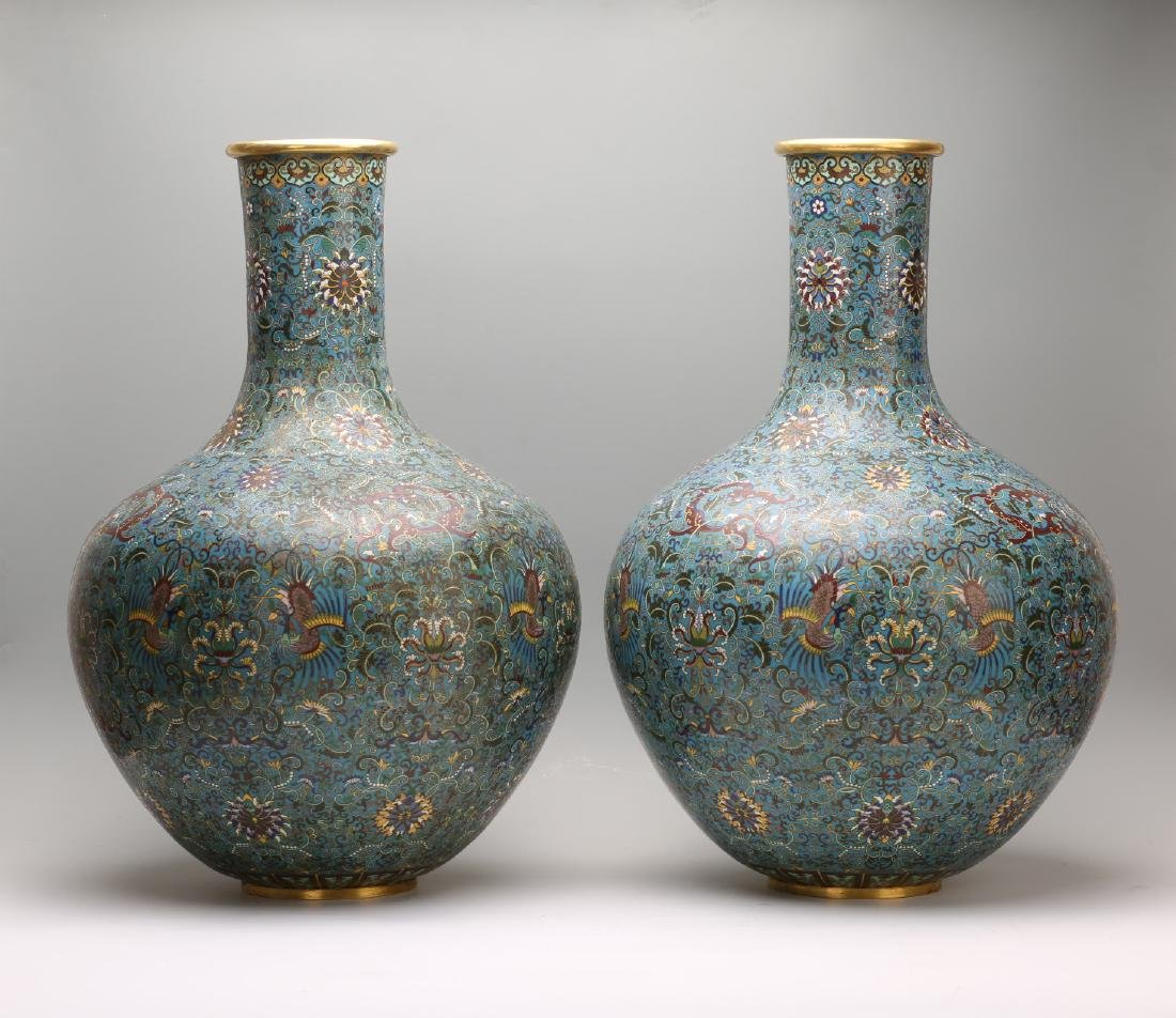 A Pair of Chinese Cloisonne Vases - 3