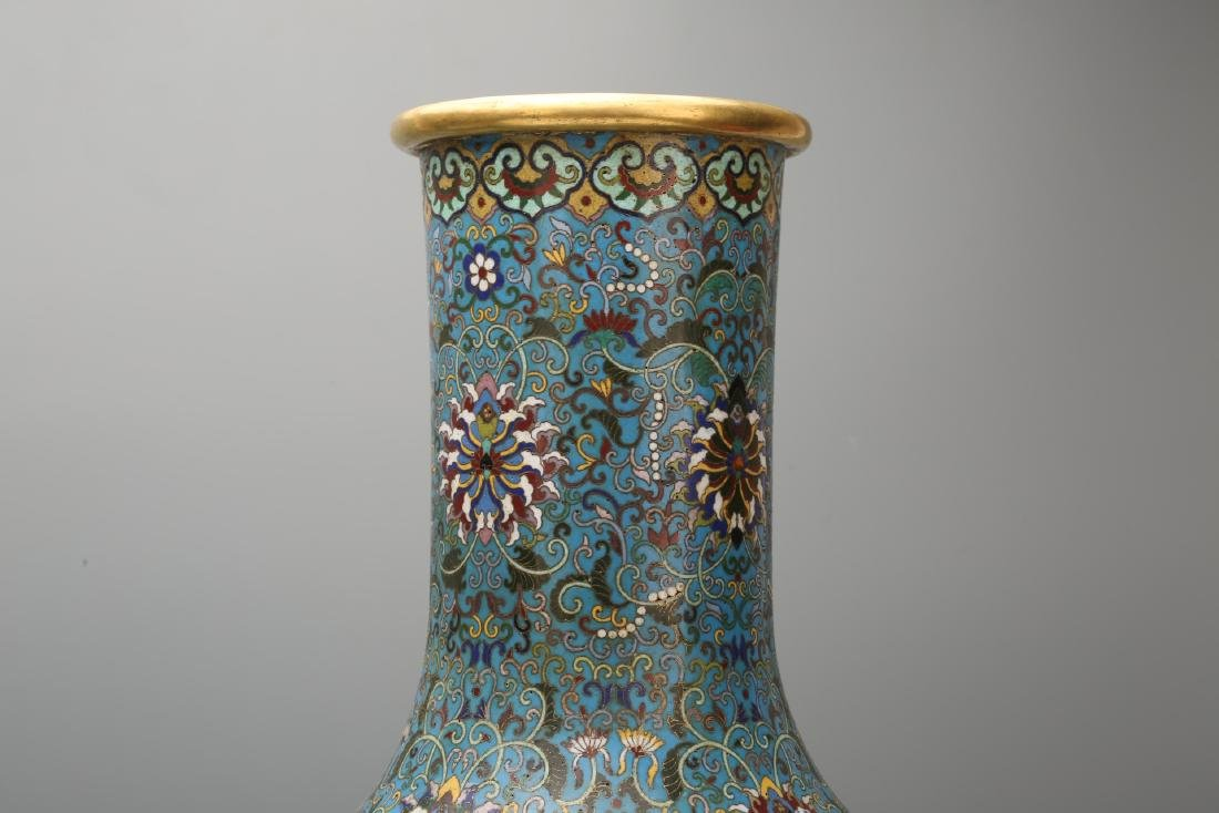 A Pair of Chinese Cloisonne Vases - 4