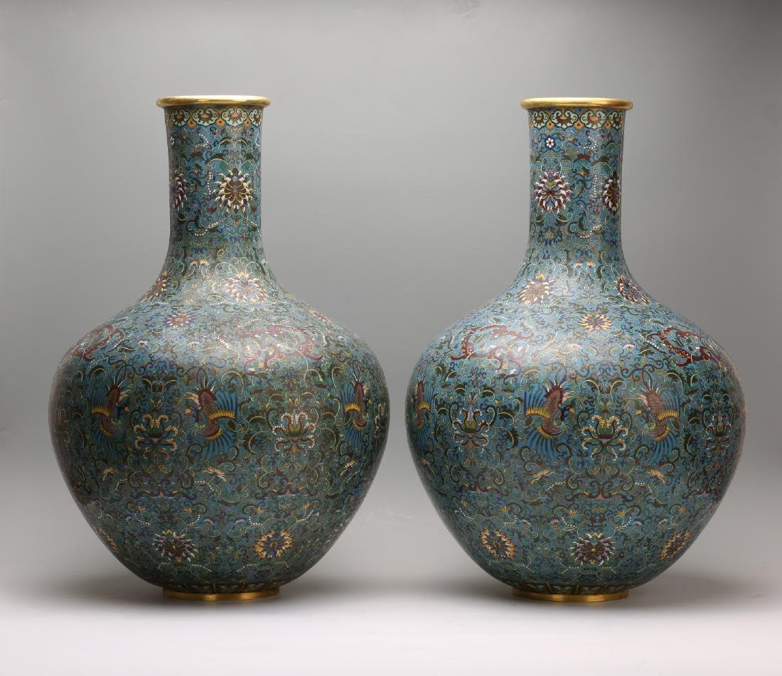 A Pair of Chinese Cloisonne Vases - 5