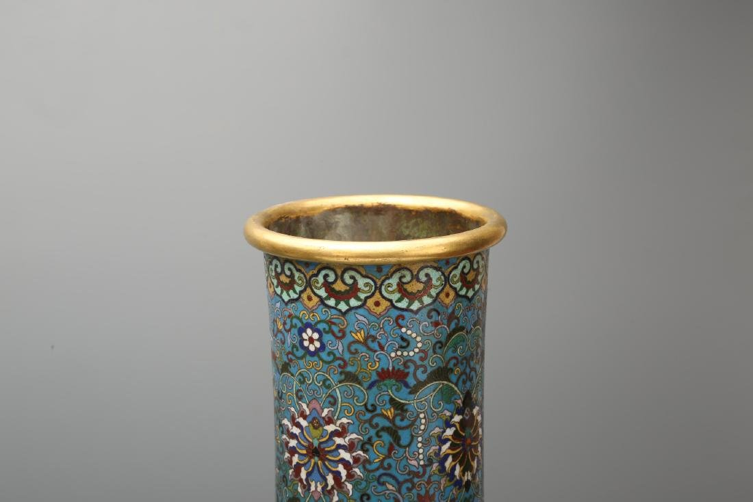 A Pair of Chinese Cloisonne Vases - 7