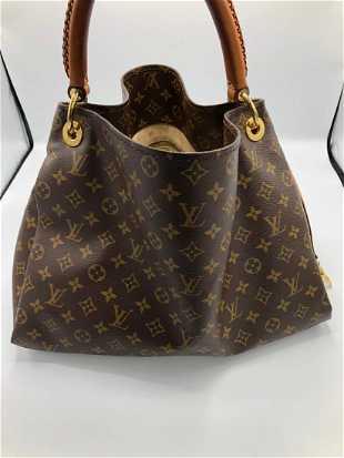 c15ae735046a Louis Vuitton Monogram Artsy Handbag