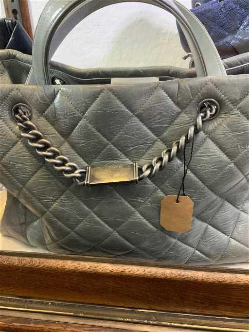 a849a870d142c2 Chanel Boy Tote Short Shoulder Bag