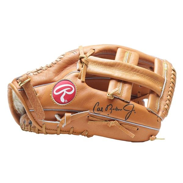 Cal Ripken Baltimore Orioles Ingraved sign glove