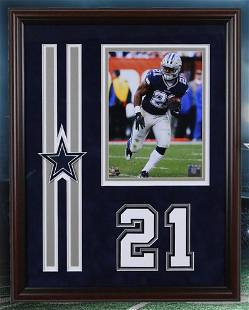 Ezekiel Elliott Dallas Cowboys 20x16 unsigned