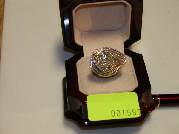 4589: Diamond Ring White and Pink Gold