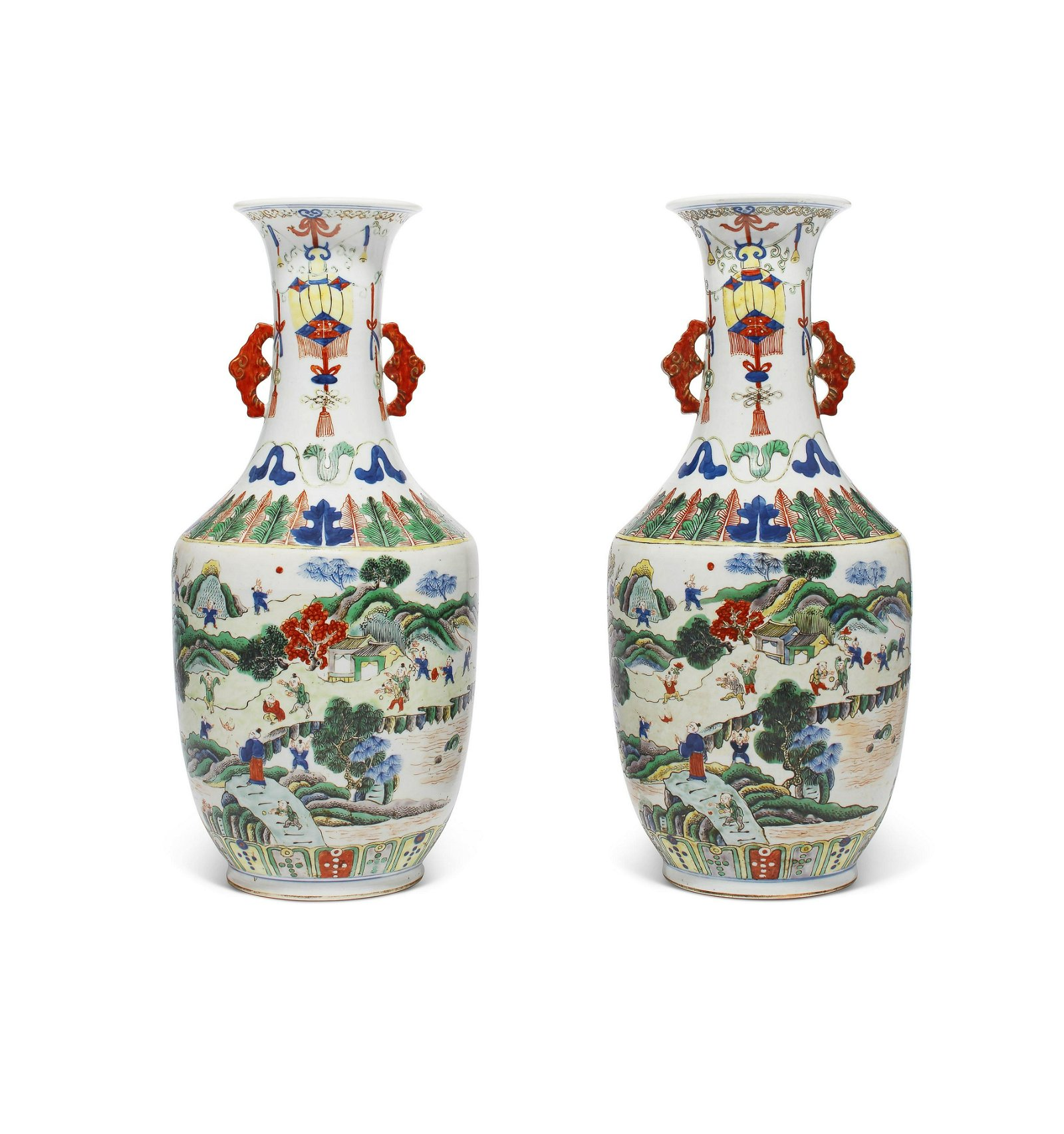 A PAIR OF WUCAI VASES