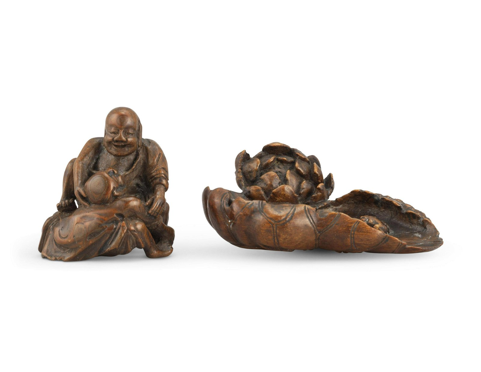 A SMALL BAMBOO CARVING OF WRESTLERS AND A 'FROG AND