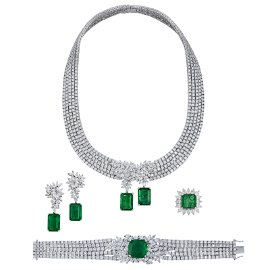 EMERALD AND DIAMOND NECKLACE, BRACELET, EARRING AND