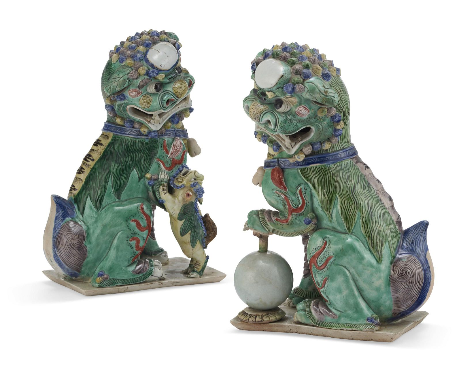 A PAIR OF CHINESE FAMILLE VERTE BISCUIT PORCELAIN