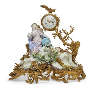 A VINCENNES PORCELAIN AND ORMOLU MANTEL CLOCK, '