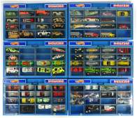 Hot Wheels: Vintage Showcases with Cars